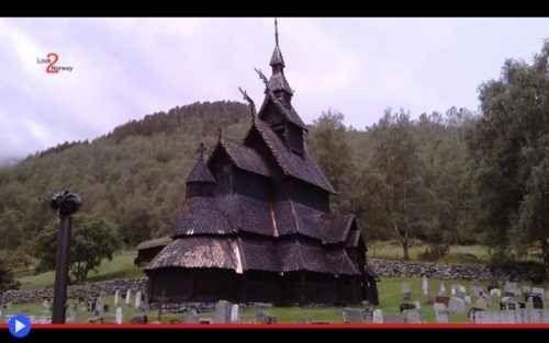 Lo splendore vichingo delle chiese di legno Secondo una leggenda, il sistema architettonico delle chiese a pali portanti sarebbe nato quando l'agricoltoreRaud Rygi, assieme ad altri quattro coabitanti del suo villaggio nella municipalità di N #chiese #norvegia #europa #nord