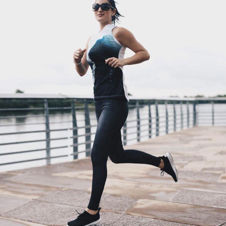 @dtkaustin running full speed ahead in our lucy indiGO run tights | Wear it like denim. Love it like activewear. | #lucyindiGO
