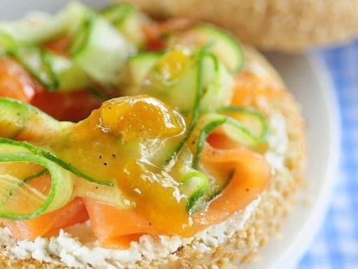 RECETTES POUR UN PIQUE-NIQUE ENSOLEILLÉ  http://www.topsante.com/manger-mieux/produits-de-saison/Recettes-pour-un-pique-nique-ensoleille