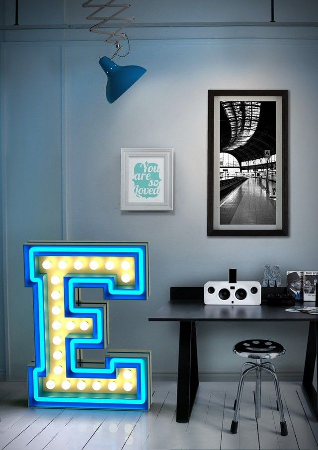 Just love those industrial letters lighting ideas! What a beautiful trend inspiration from Delightfull | http://www.delightfull.eu/