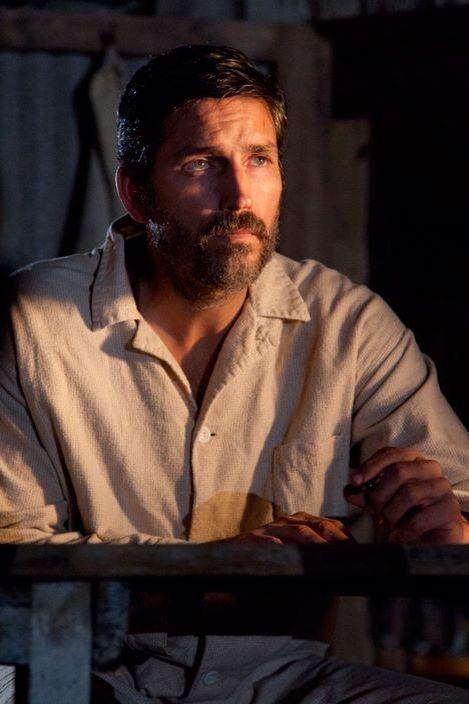 Jim Caviezel nel ruolo di Rhuarc Tall, capo saggio, forte, robusto-2978