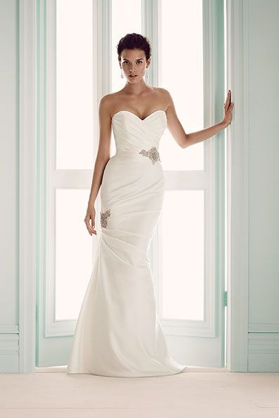 Mikaella - Sell My Wedding Dress Online | Sell My Wedding Dress Ireland | Buy Designer Wedding Dresses Ireland