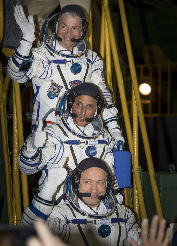 Expedition 53 Crew Waves Farewell #NASA #ImageoftheDay