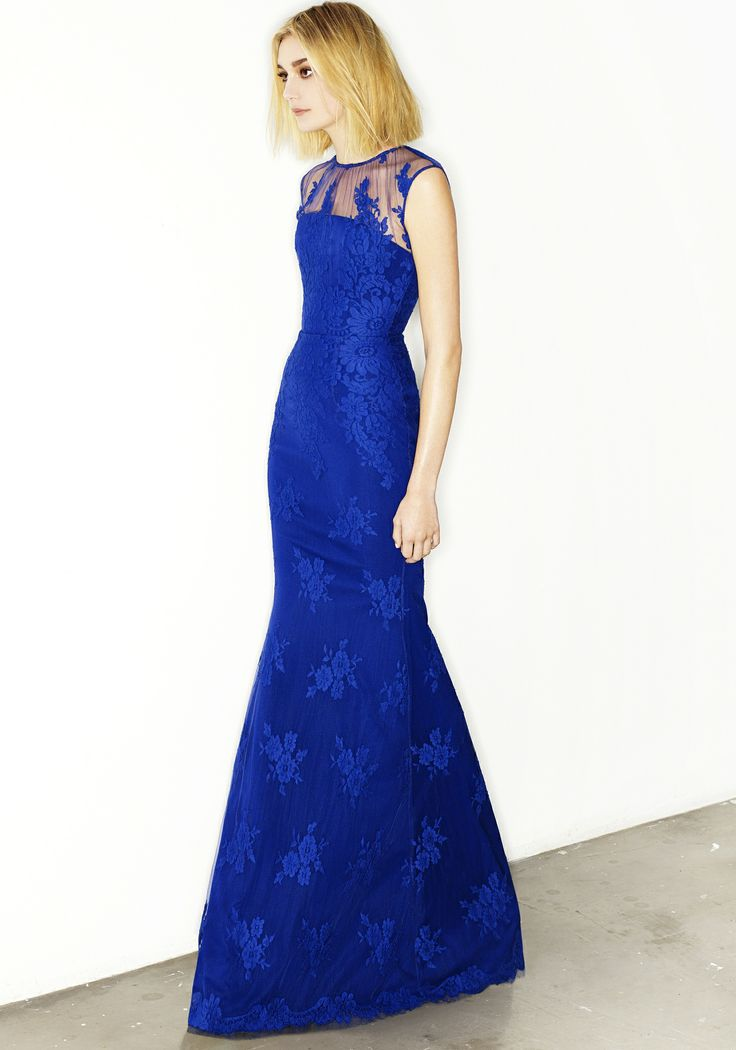 DELICE - FRENCH LACE FISHTAIL GOWN