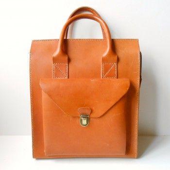 #vintage #leather #shoppingBag #1970s #danish #cognac  http://retro-design.dk/butik/indkoebstaske-arbejdstaske-i-kernelaeder-dk-1970erne/
