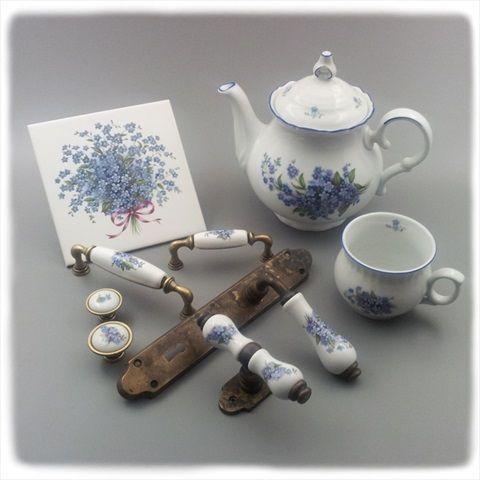 Porcelánové úchytky, porcelánové kliky, keramické úchytky, keramické kliky, Mosazná retro klika s porcelánem, historické porcelánové kování, Designová keramická umyvadla s dekorací, keramické obklady s dekoracemi, porcelánové kalíšky na kartáček, keramické okenní kování, porcelánová klička na okno, porcelánové nádobí a další kuchyňské doplňky, historické retro kování s porcelánem, keramické nábytkové úchytky, starožitné rustikální kování s porcelánem