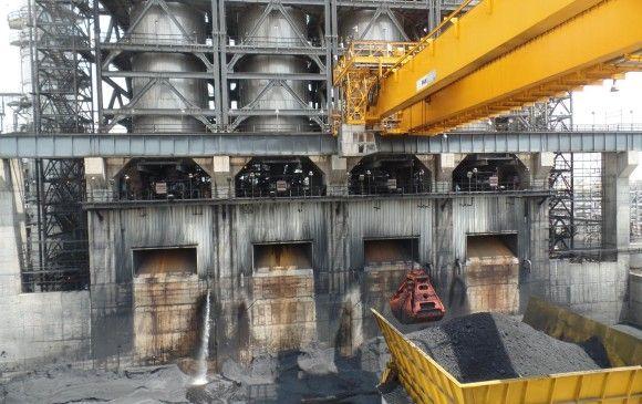 Según la compañía, en 13 años el complejo logrará pagar sus deudas. Reficar mostró el proceso que se sigue con el coque de petróleo y explicó que no se contamina. FOTO Santiago Valenzuela