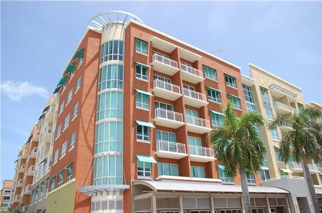 Cite on the Bay building contains 436 units and was completed in 2004. It is located in Midtown Miami in the Arts District/Edgewater neighborhood. Cite on the Bay offers two type of units. Building A includes the flat units and buildings B & C are made up of lofts. The flats are located right off of Bayshore Dr. and across the street from the beautiful Biscayne Bay. Units will include panoramic views of the bay, city and/or the main streets next to the building.