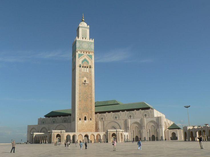 Hagyománytisztelet és modern építészet ötvöződik Casablanca nagymecsetjében. http://kozelestavol.cafeblog.hu/2017/08/27/marokkoi-mecset-amelyben-elferne-a-notre-dame/