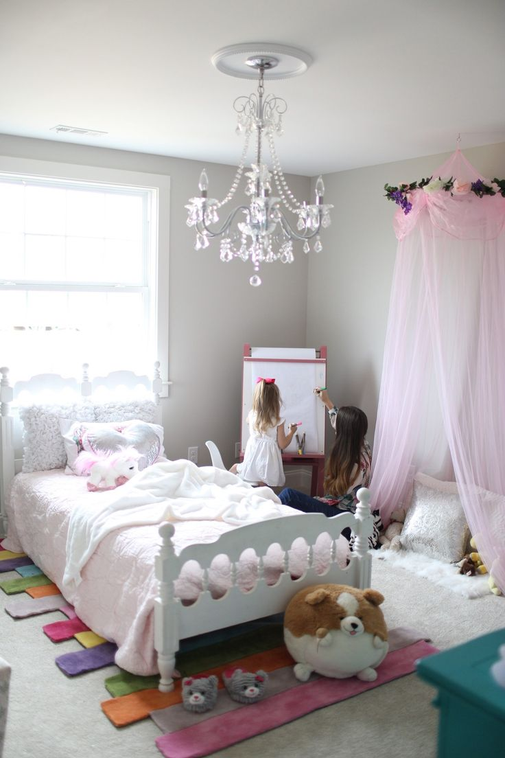 Little Girlu0027s Bedroom With Rugs USAu0027s Keno Contempo Stripes ...