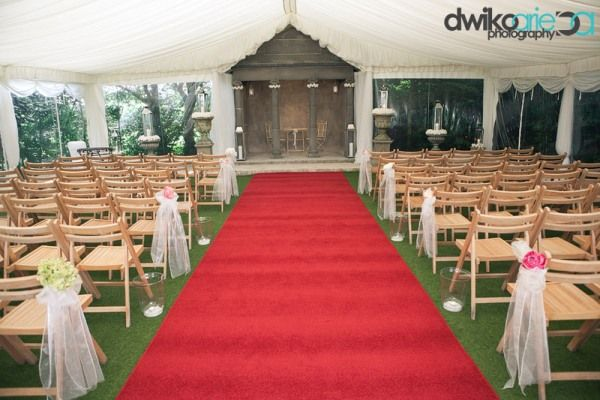 Perfect English wedding blog Parley Manor DIY and bunting (16)