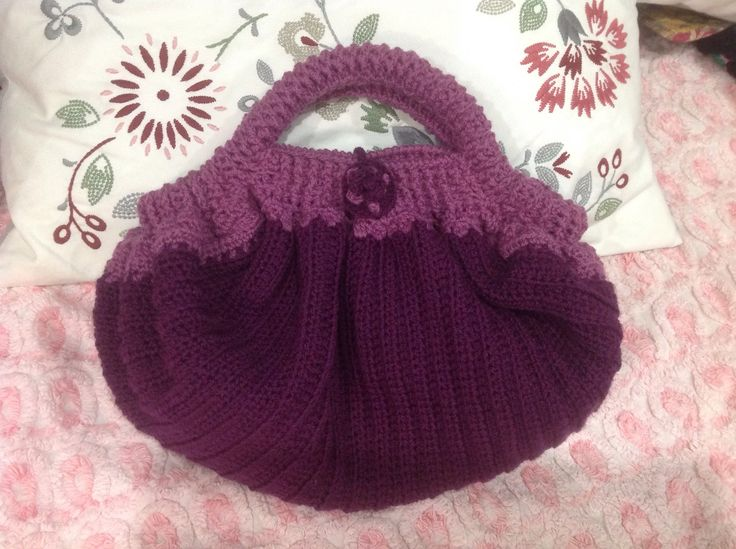 My latest creation, a bag, Bendigo Wool, 8 ply classic. Currently writing up the pattern, watch this space