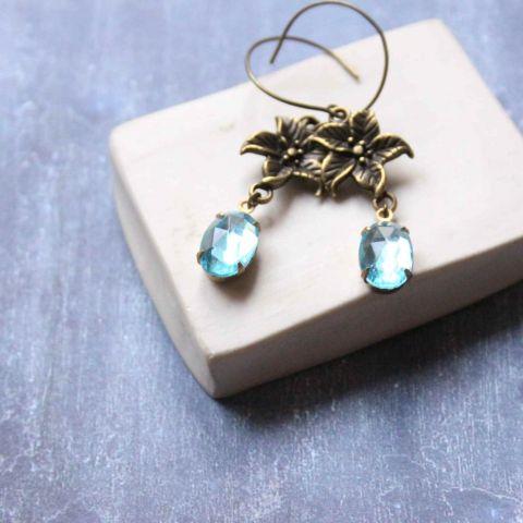 Kék liliom  - lógós üveges fülbevaló , Ékszer, óra, Fülbevaló, Meska