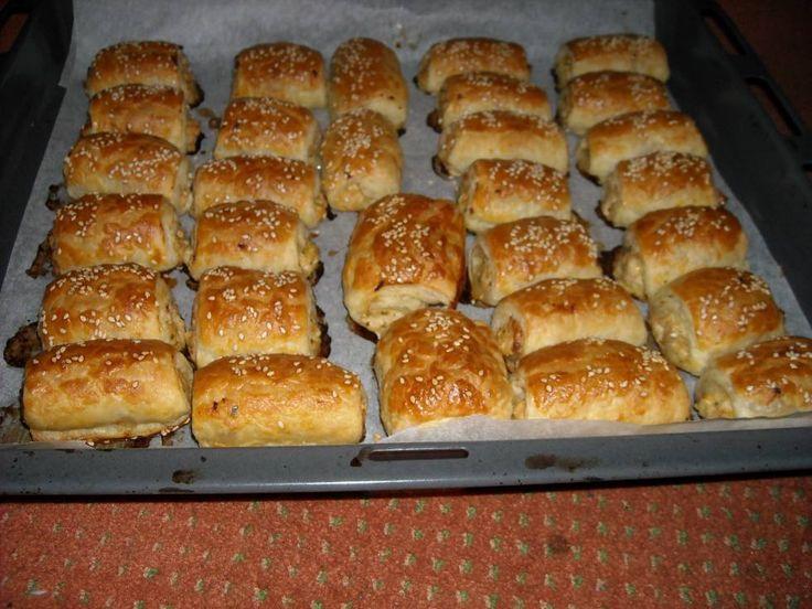 Saucijzenbroodjes+met+een+pittige+kipvulling.+Wat+een+verrassing!+Ze+zijn+zooooooooo+lekker!!!