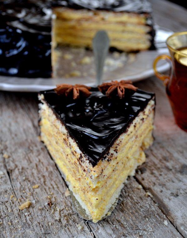 Nietypowy tort amoniakowy z anyżem to nie lada gratka dla wszystkich smakoszy! Wystarczy Ci tylko 90 minut, aby cieszyć się jego nietypowym smakiem! Pycha!