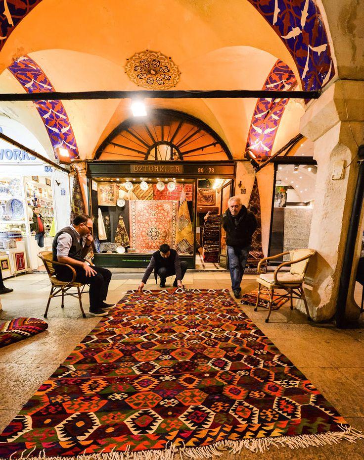 Carpet Deal in Grand Bazaar / Istanbul by Oğuz Ünver on 500px