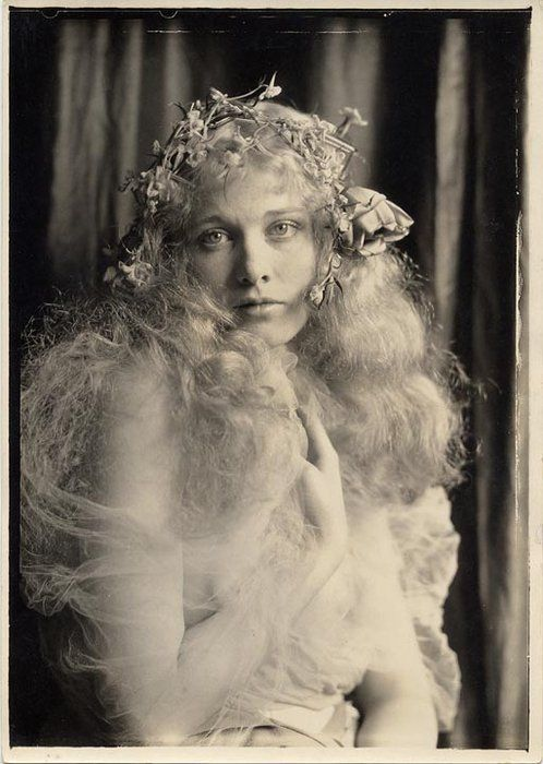 The flower wreath & gauzey fabric! Dolores Costello (Drew Barrymore's grandmother)