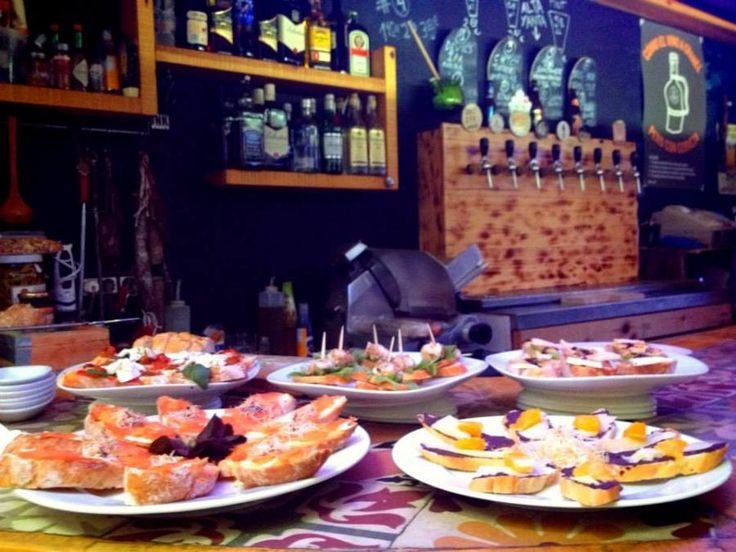 Learn about the history of Barcelona and the century old tradition of vermouth on this alternative tapas tour. Vermouth, a typical aperitif in Barcelona with Tourboks!