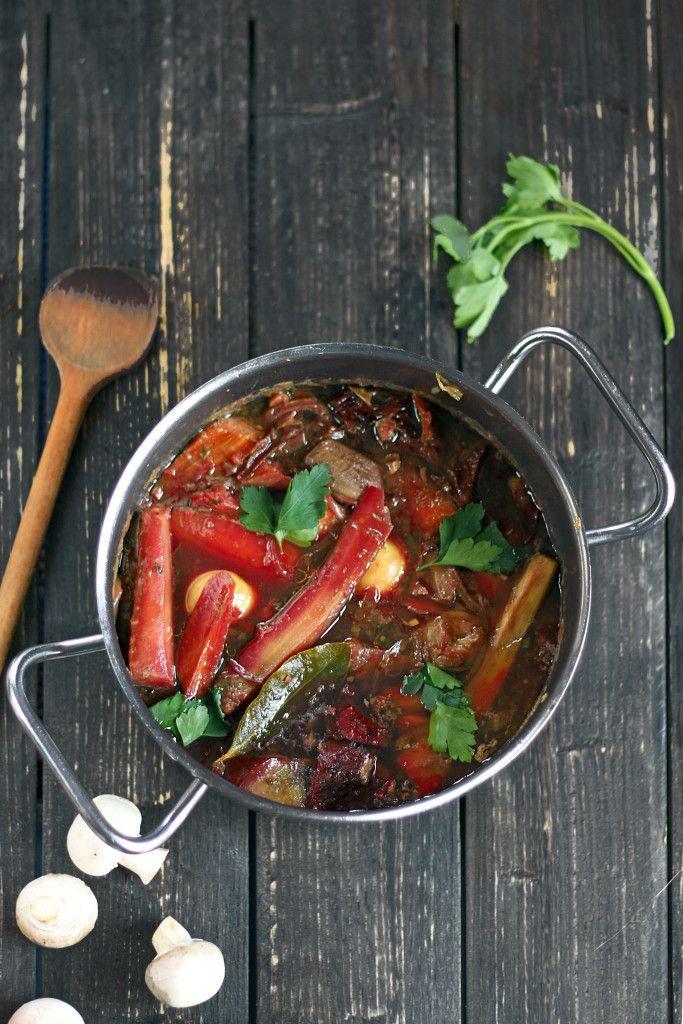 Vegetarian bourguignon - Beets, Jerusalem artichoke, carrots and mushrooms