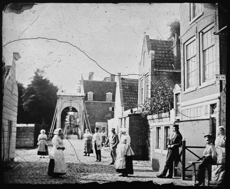 Bokkinghangen met de Petemayenbrug over de Zoutkeetsgracht gezien naar de Zandhoek, Amsterdam 1861. Foto: Jacob Olie