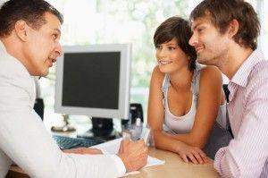 Standardy obsługi stały się bardzo ważnym elementem w kulturze organizacyjnej firmy. To dzięki nim jesteśmy w stanie zapewnić swoim klientom powtarzalną i najwyższą jakość świadczonych usług. Więcej: http://www.krawatimuszka.pl/aktualnosci/korzysci-niesie-soba-wprowadzenie-organizacji-standardow-obslugi/
