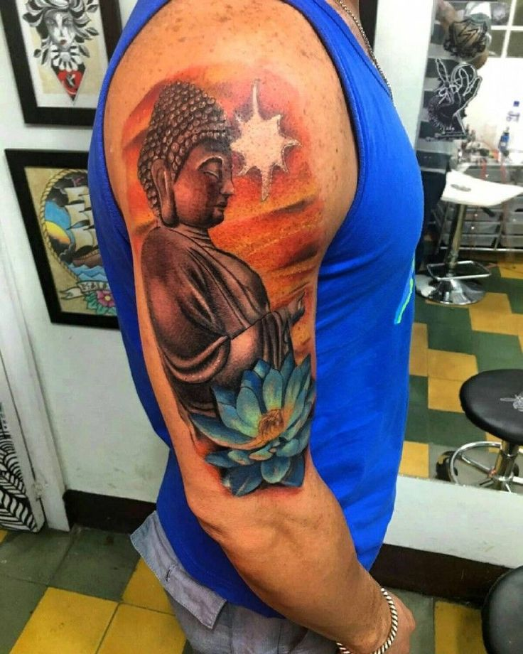 Tattoo on shoulder men — Buddha and lotus