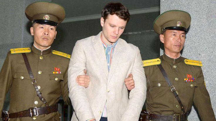 Corea del Norte condena a 15 años al estudiante de EE.UU. que robó un cartel