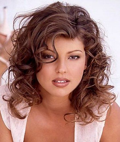 Bring New Fresh Look with Hairstyles for Medium Length Curly Hair ...