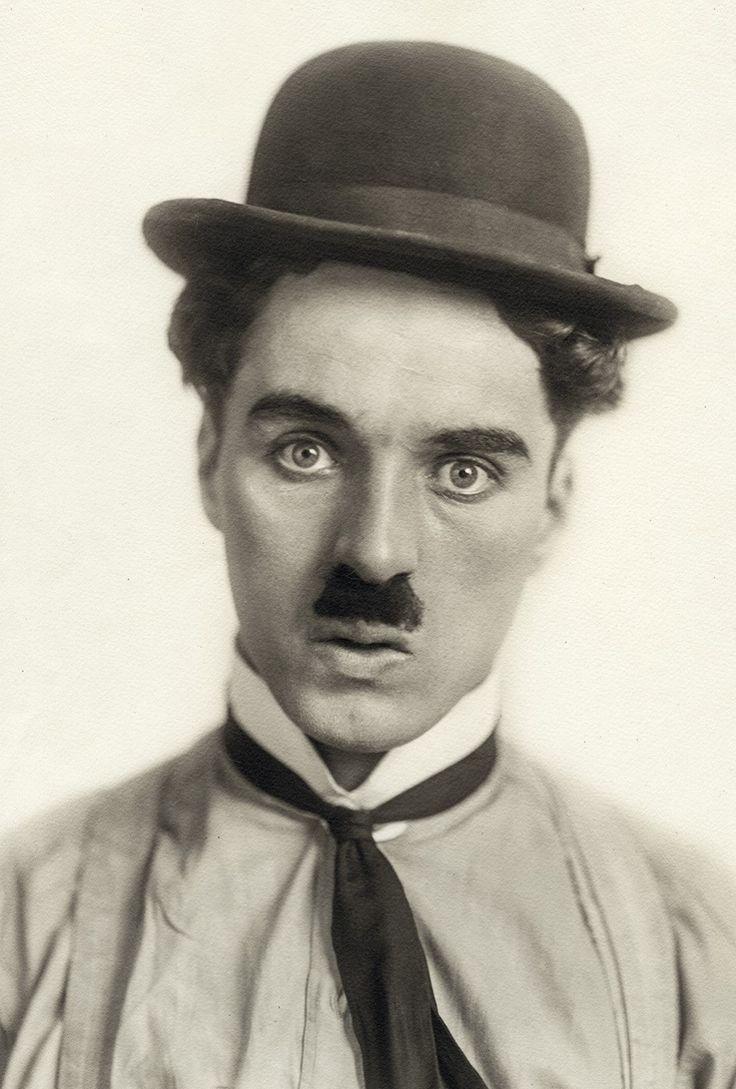 Portrait of Chaplin as The Tramp, circa 1914 - PORTRAIT OF CHAPLIN AS THE TRAMP, CIRCA 1914Retrato de Chaplin en torno a 1914 en su caracterización del Vagabundo, el personaje que le convirtió en una estrella global (© Roy Export Company Establishment)  Ver más en: http://www.20minutos.es/fotos/artes/editan-el-archivo-de-charlie-chaplin-11627/#xtor=AD-15&xts=467263PORTRAIT OF CHAPLIN AS THE TRAMP, CIRCA 1914Retrato de Chaplin en torno a 1914 en su caracterización del Vagabundo, el personaje…