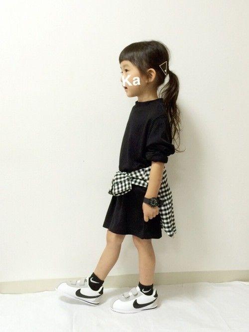 #KIDS     #キッズコーデ     #チェックシャツ感謝祭     #チェックシャツ    #ハイネック     #モノトーン     #シンプル     #スニーカー×靴下