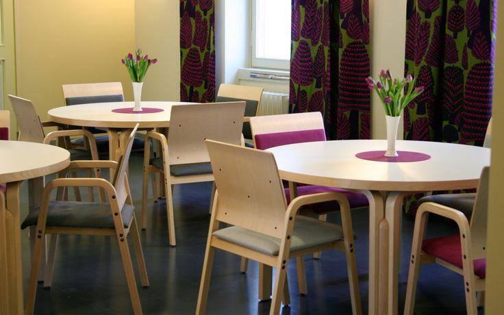 Kaisa  Martela Kaisa, een welfare oplossing van PLAN@OFFICE ontworpen door Martela door Hannu Voutilainen.