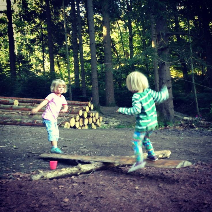 http://lulastic.co.uk/bombaround-2/the-forest-kindergarten-autonomy-wilderness-and-sharp-knives/