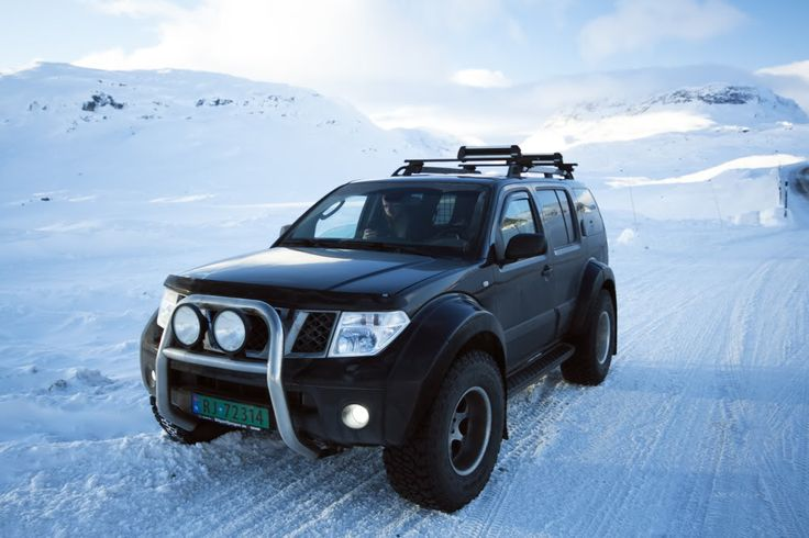 Nissan pathfinder arctic trucks