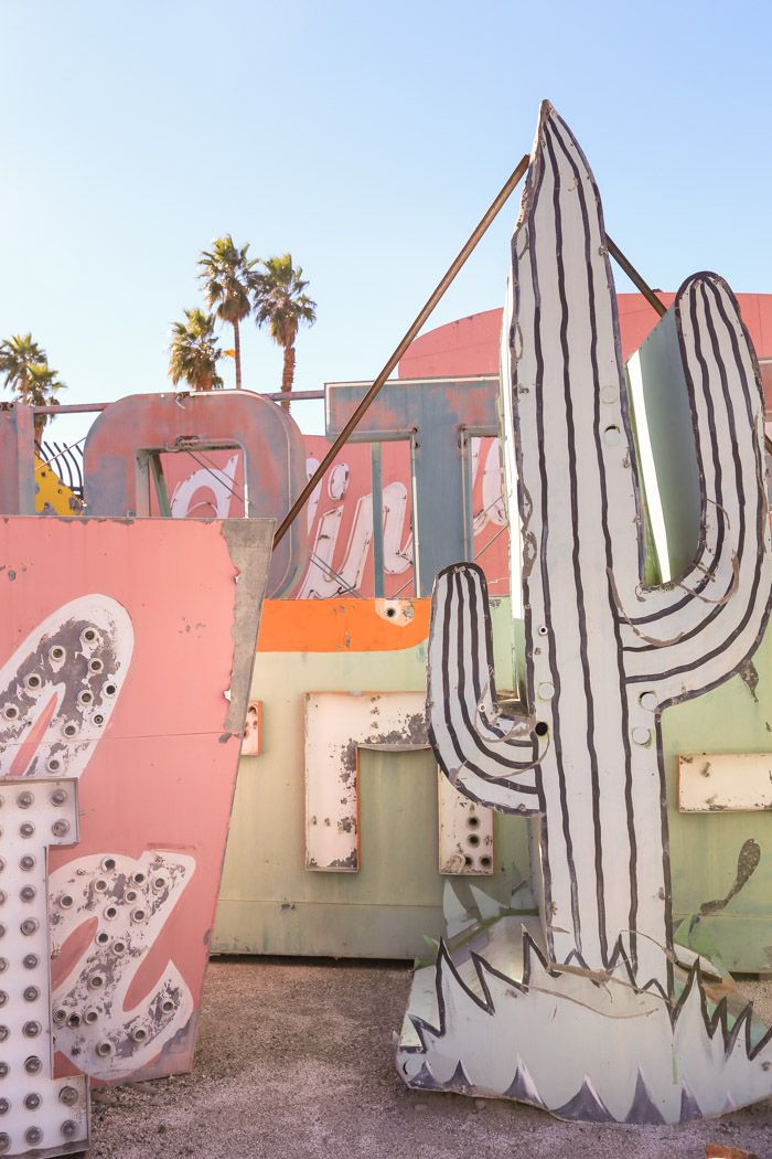 Las Vegas: Visiting the Neon Boneyard