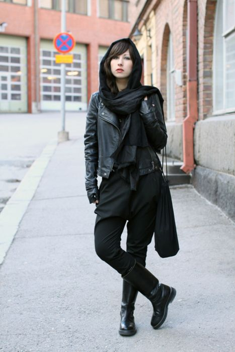 Für mehr Ninja Goth Inspiration - Folge mir. For more Ninja Goth inspiration - follow me. DiamondOfTears <3