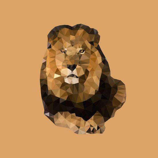Een kunstzinnige low-poly interpretatie van de koning van de dierenwereld. Prachtig en indrukwekkend voor in de kinder- of speelkamer! Met haast goude manen en een prachtige bruine vacht, neemt deze leeuw je mee op safari. Een mooie herinnering aan je vakantie in Afrika of voor in de safari-kinderkamer. Op verzoek ook verkrijgbaar met andere achtergrondkleur.