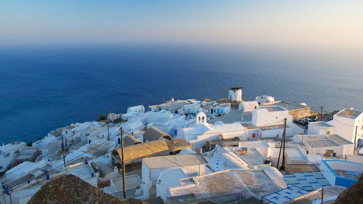 Guide de voyage pour Anafi, une île authentique et préservée aux confins des Cyclades. Toutes les informations indispensables pour préparer vos vacances.