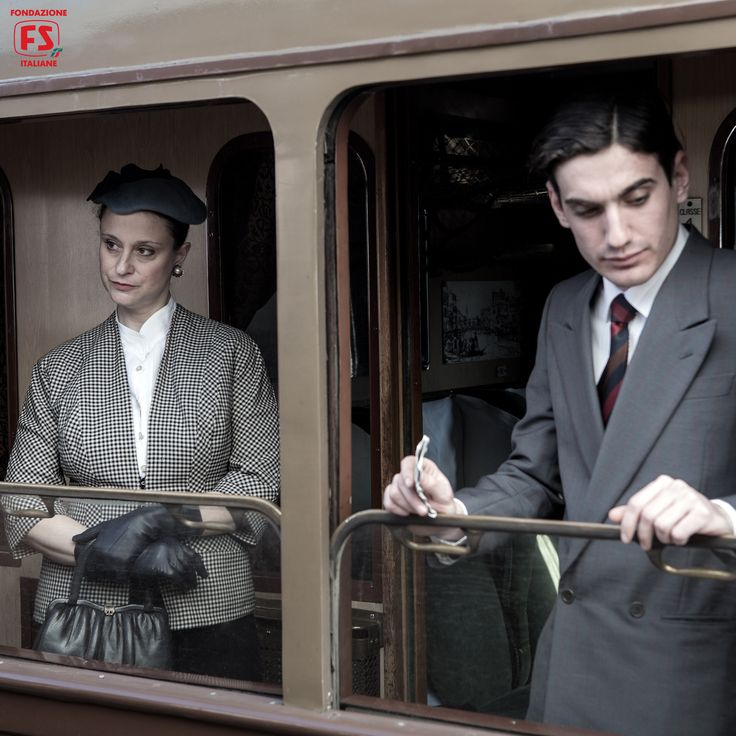 """Dal film """"Un viaggio di cento anni"""", di Pupi Avati, viaggiatori di prima classe a bordo di una vettura serie 10.000"""