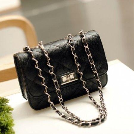 Jakarta TF47 134.000 Bahan= PU Leather , Ukuran=13cmx19cmx7cm(0,38kg), Panjang Tali Tas= 120cm
