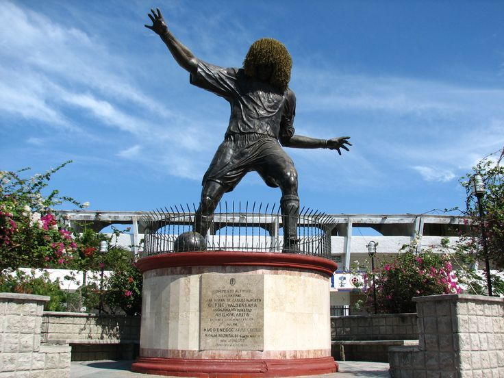 Carlos Valderrama statue, Santa Marta
