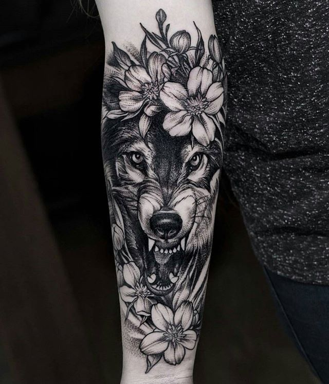 best 25 wolf tattoos ideas on pinterest tree tattoo sleeves wolf face tattoo and wolf tattoo. Black Bedroom Furniture Sets. Home Design Ideas