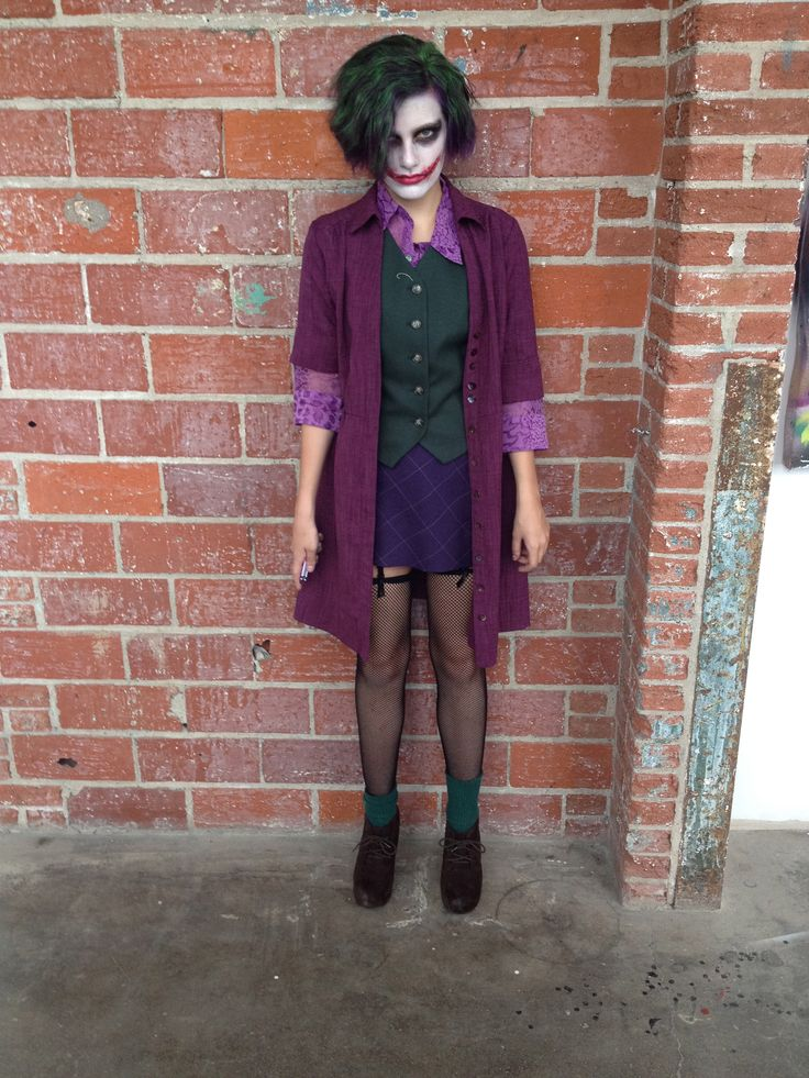 female joker by emerald amyx cosplay