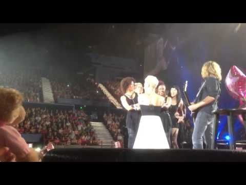 P!nks Birthday Suprise Brisbane 8/9/13 - YouTube