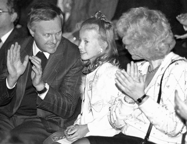 Ксения Собчак с родителями Анатолием Собчаком и Людмилой Нарусовой.