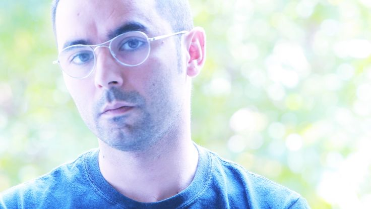 """Marco Useli, pittore sardo, collabora al progetto """"Designers"""" di VALPIETRA® - www.valpietra.com"""