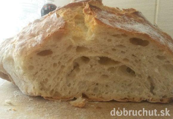 Domáci chlieb, treba vyskúšať, je skvelý