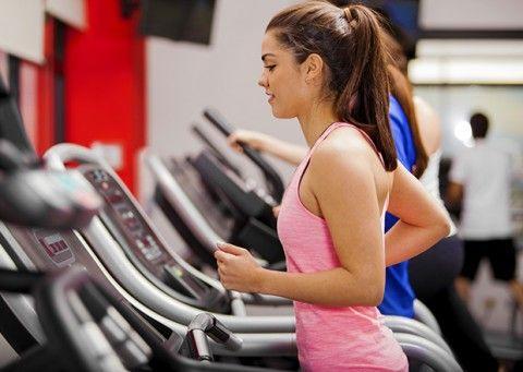 2. Exercícios que mais queimam calorias e melhor contribuem para a queima de gordura abdominal. Treino aeróbico intervalado de alta intensidade. Além de acelerar o metabolismo de repouso, tem um gasto calórico altíssimo.