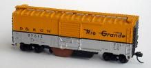 N scale track cleaner in boxcar with roofwalk