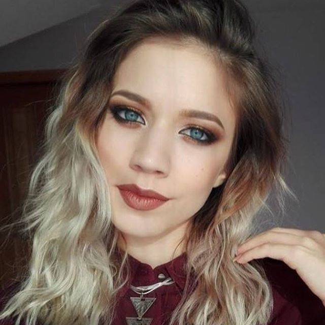 My beautiful model from today's Masterclass! ❣️👸🏼 #atelierparis #lectiidemachiaj #makeupartist #mua #makeup #lovemyjob #masterclass #cosmetics #eyeshadow #onfleek #beautiful #model #glam #instamakeup #instalike #instadaily #picoftheday #followme