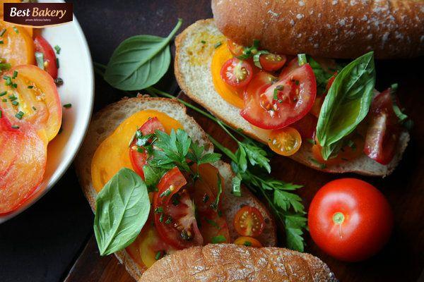 co dzisiaj mieliście na śniadanie ? 😄♨🍴my zdrowy chlebek żytni Best Bakery z masełkiem, papryką, pomidorami i bazylią 😄lekko, przyjemnie i smacznie - na cały dzień 😄😄😄 Stefan 😎 #asunto #bestbakery #pieczywo #bagietki #kanapki #croissant #hamburegry #zapiekanki #ciabatta #IFollowYou #pizzacorleone #pizza ##myfood #Bruschetta